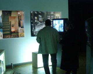 Vue de l'exposition Body Missing de Vera Frenkel - Vernissage