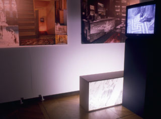 Vue de l'exposition Body Missing de Vera Frenkel