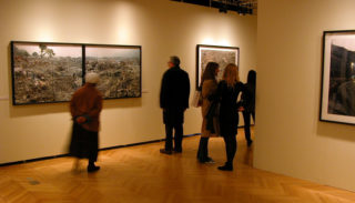 Edward Burtynsky : Manufactured Landscapes