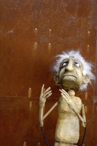 Famous Puppet Death Scenes, Tweak