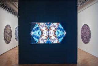 Vue de l'exposition Piece by Piece, Sara Angelucci, Sanaz Mazinani