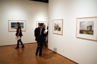 Vue de l\'expositionStan Douglas au Centre culturel canadien